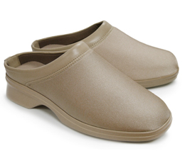 Pedors Lightweight Clog in beige
